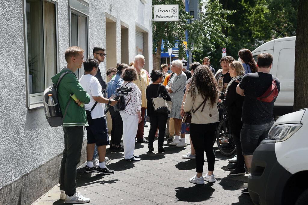 Rundgang der Anwohnerinitiative und der Grünen Mintropstraße und Stresemannplatz