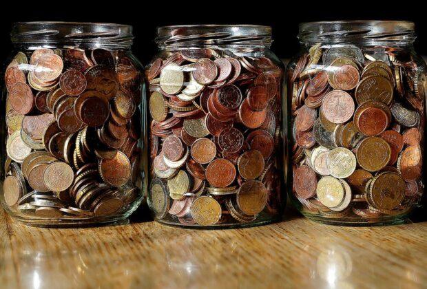 Münzen im Glas