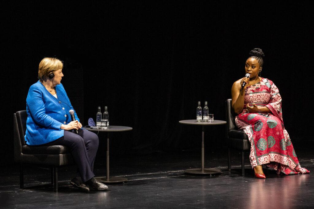 Schauspielhaus Düsseldorf Angela Merkel Chimamanda Ngozi Adichie